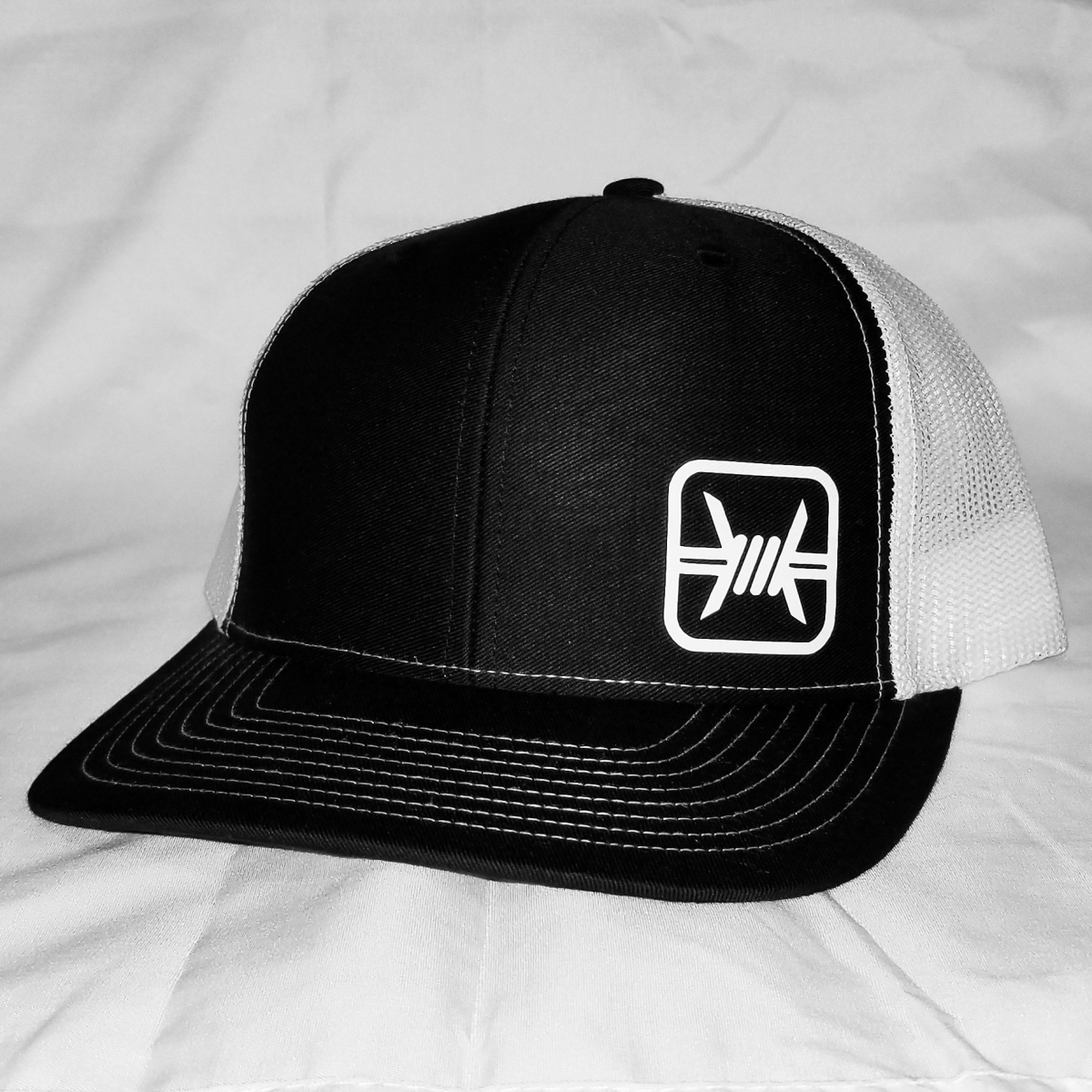 Barbed Wire Texas Peeps Cap | Black & White